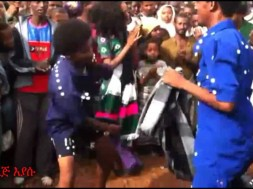 Watch new ethiopian wollo music 2015-   -ያን ማዶ ያን አገር on KonjoTube