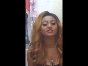 Watch Ethiopian girl facebook ድንቅ ድምፅ funny on KonjoTube